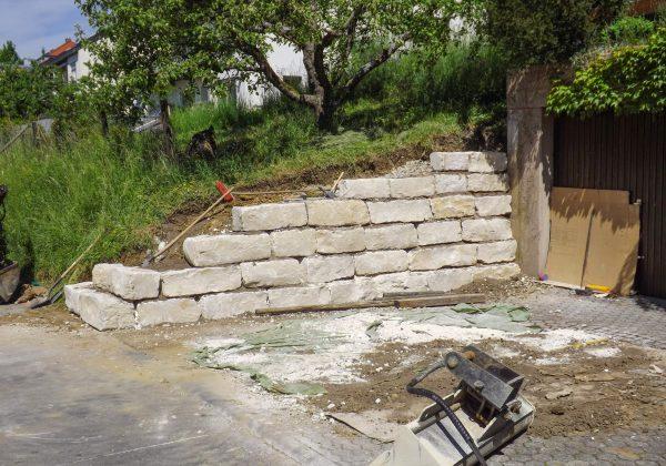 Natursteinmauer als Hangstütze Nürtingen